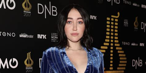 alan walker tunjungan plaza noah cyrus joins alan walker at spellemann awards 2018