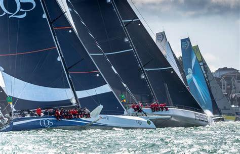 fastnet race  yachten nehmen die  meilen  angriff vendee globe racer vorne