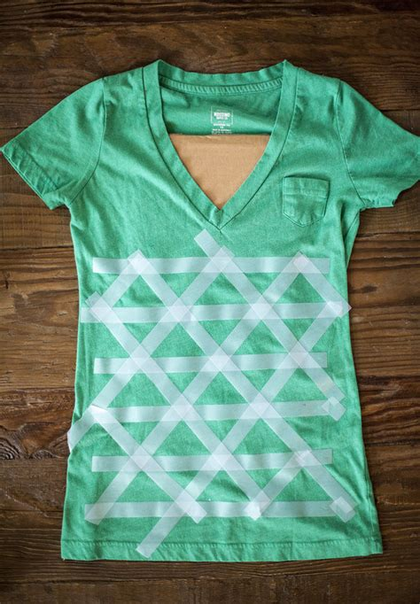 how to design a shirt using paint diy tee design with decoart fabric paints
