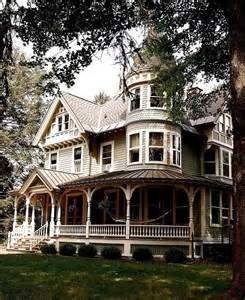 Queen Anne Victorian by Queen Anne Victorian Home Beautiful Homes Pinterest