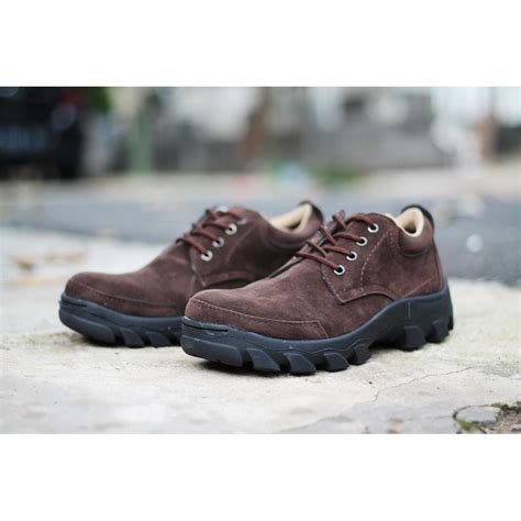 Sepatu Dhoom Low Boots Keren Pria sepatu pria low boots safety suede leather hitam coklat elevenia