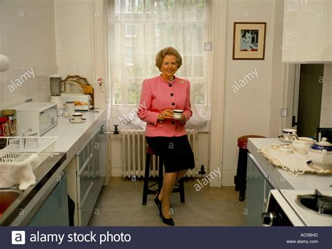 Number 10 Downing Street Floor Plan Thatcher Downing Street Margaret Thatcher Having A Cup Of