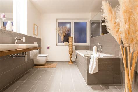 Badezimmer Casi by Moderne Badezimmer Fliesen Braun Wohndesign