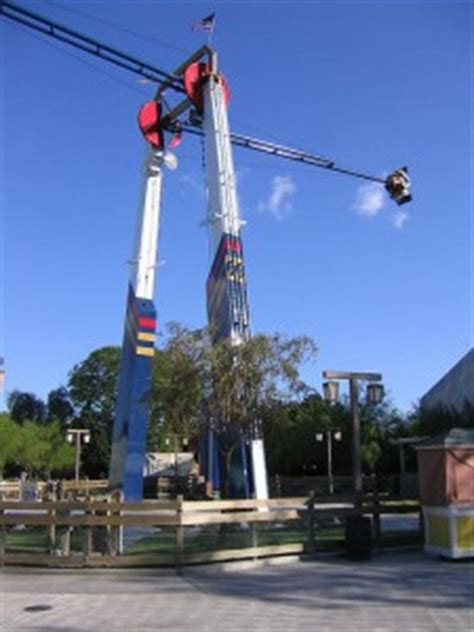 screamin swing dorney park california s great america planning new attraction park