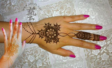 henna tattoo hand bibi mehndi design vine tattoos picture models picture