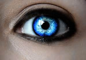 35 breathtaking pictures of eyes creativefan
