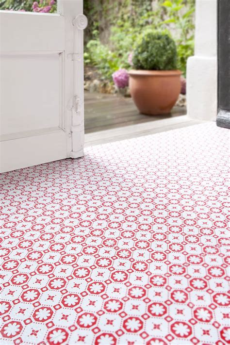 rose des vents red vinyl floor tiles by zazous