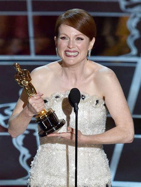 film oscar julianne moore oscars 2015 julianne moore finally wins an oscar for her