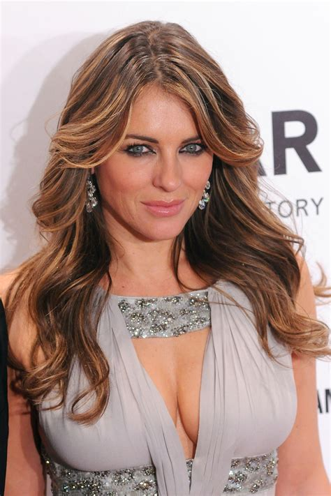 photo gallery of women in their 40s with long blonde hair fotos elizabeth hurley muestra su escote de mega news