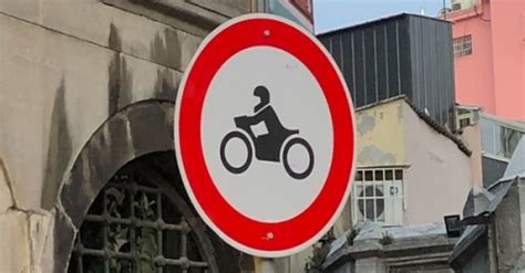 motosiklet giremez levhasi anlami motosiklet giremez