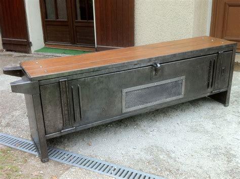 Impressionnant Vernis Pour Meuble Peint #5: vestiaire-industriel-meuble-tv.jpg