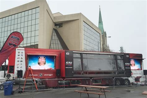 samsung mobile studio a weekend of hometownhockey and a samsung galaxy tab s