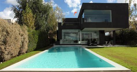 casa negra la casa negra de andr 233 s remy arquitectos