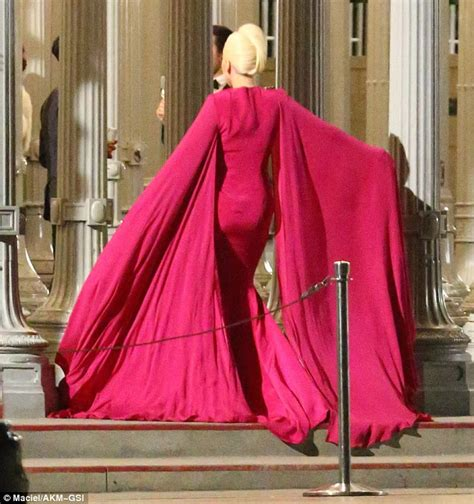 classic hollywood glamour hollywood events season style set girl lady gaga exudes hollywood glamour in american horror