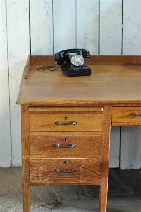 1930 S Vintage Oak Gentleman S Desk And Drawers Home