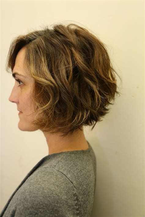 short angled cut thats why wavy bob this is basically what my hair does i love the