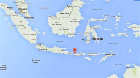earthquake lombok indonesia hit by 6 2 magnitude undersea earthquake the