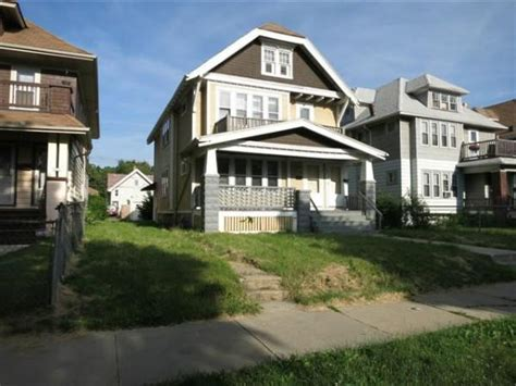 houses for sale milwaukee wi 3035 n 39th st milwaukee wi 53210 reo home details foreclosure homes free