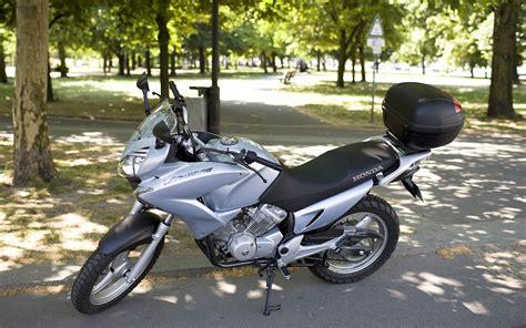 125ccm Roller Vs Motorrad by File Honda Varadero 125 Jpg Wikimedia Commons
