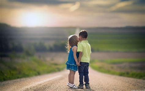 wallpaper girl boy love hd boy girl kids kiss on road cute full hd wallpaper