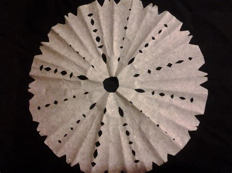 coffee filter snowflake ornaments allfreechristmascrafts com