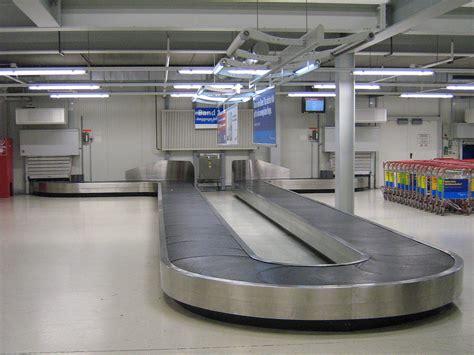 Luggage Belt baggage carousel