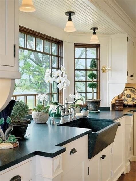 Soapstone Bay Area - the windows bulkhead space between sink and window
