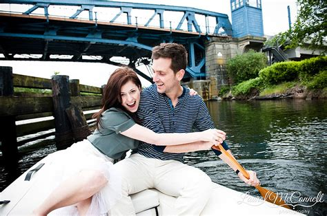 wedding on a boat seattle i m on a boat seattle engagement portraits on lake union
