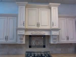 How To Make Your Kitchen Cabinets Look New by Furniture Make A Wonderful Kitchen By Using Kraftmaid
