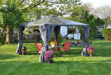 tonnelle pour jardin la maison du jardin jardin tonnelle en aluminium peint pour profiter pleinement de votre