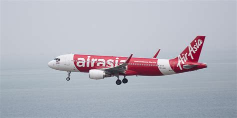 airasia plane airasia flight from indonesia to singapore goes missing