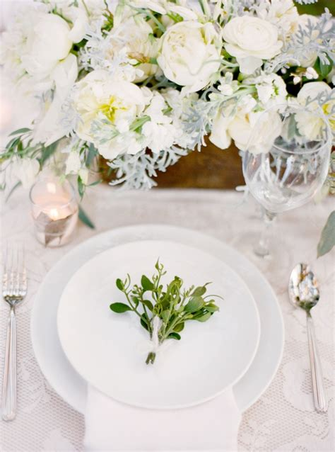 winter wedding table decor magnolia plantation charleston winter wedding table setting plate decoration once wed