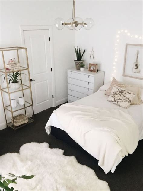 White Gold Bedroom Decor by 25 All White Bedroom Collection For Your Inspiration