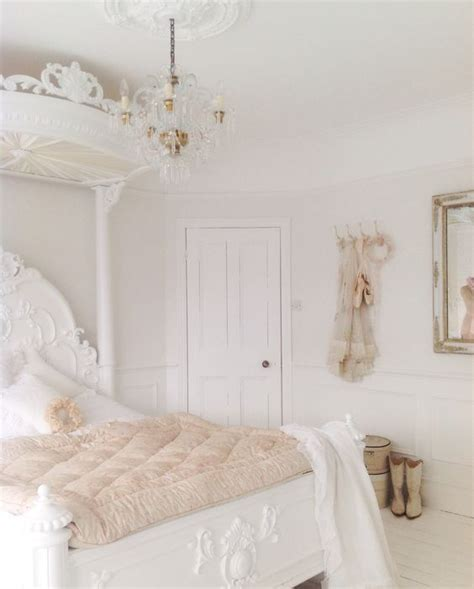 shabby schlafzimmer 25 delicate shabby chic bedroom decor ideas shelterness