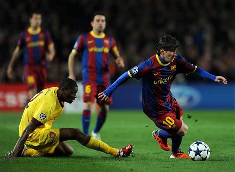 arsenal uefa lionel messi in barcelona v arsenal uefa chions