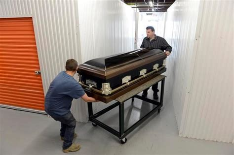 independent casket distributors offer an alternative to