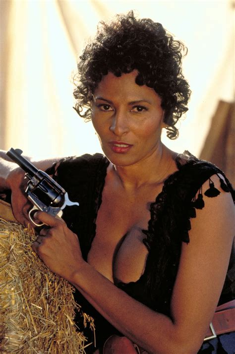 images of pam grier pam grier www imgkid the image kid has it