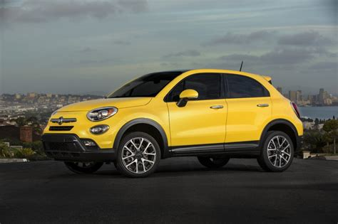 fiat jeep 2016 2016 fiat 500x starts at 20 900 pricier than jeep
