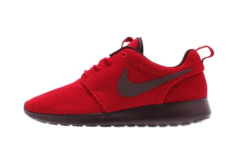 Nike Rhose Run nike roshe run burgundy hypebeast