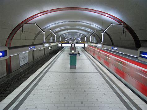 porta vittoria passante passante ferroviario con tessera itinero accessi pi 249