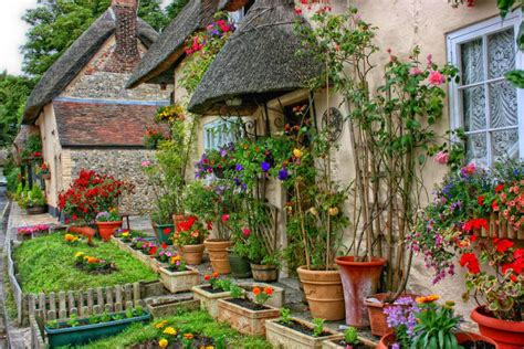 Traditional Cottage Garden Flowers Traditional Cottage Garden Pixdaus