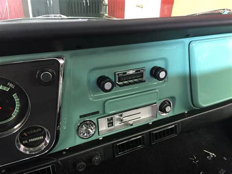 chevrolet    oem style radio