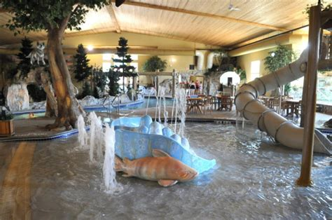 thumper pond lodge roof collapse entire roof collapses at ottertail minn water park no