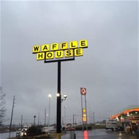 waffle house valley al waffle house fast food 580 fob james dr valley al restaurant reviews phone