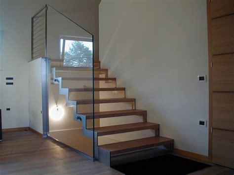 scale in vetro per interni scale a giorno per interni scale in acciaio scale in