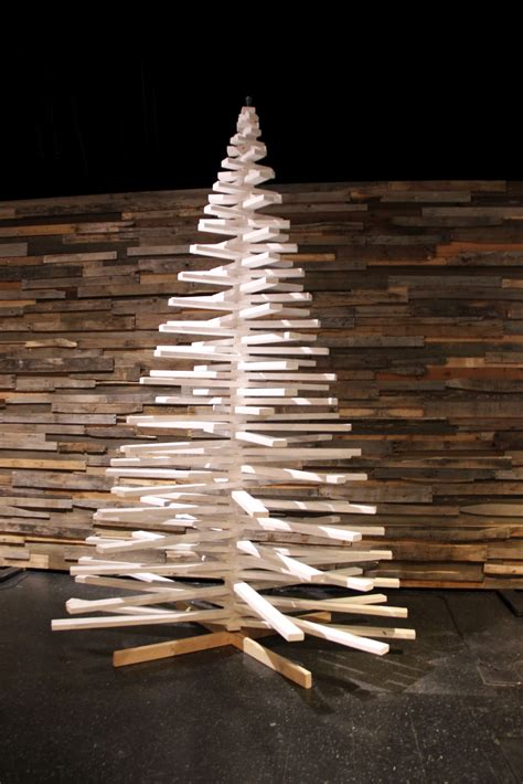 christmas tree light pole wood rotating sticks church stage design ideas