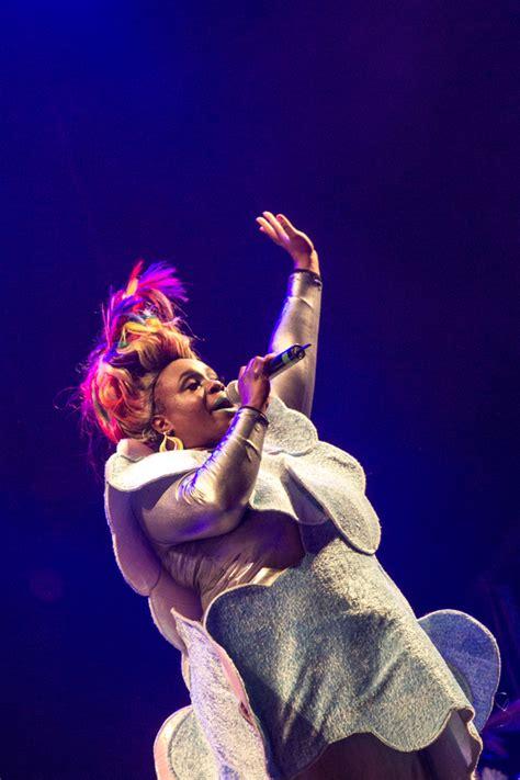 fuji rock festival review day 1 global travels - Basement Jaxx Singers