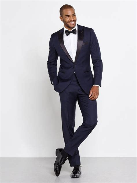 what color shoes with a navy blue tuxedo