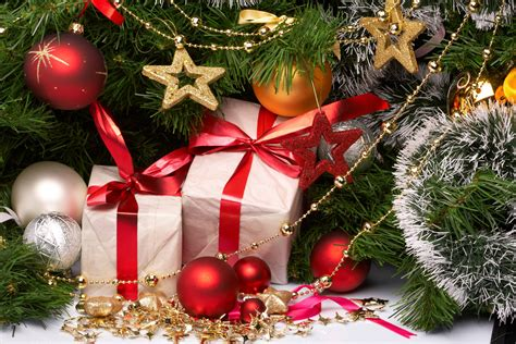 christmas presents under the tree wallpapers and images
