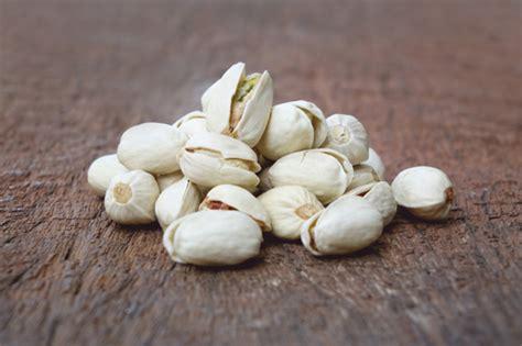 gli alimenti contengono magnesio 10 alimenti pi 249 ricchi di magnesio foto medicinalive